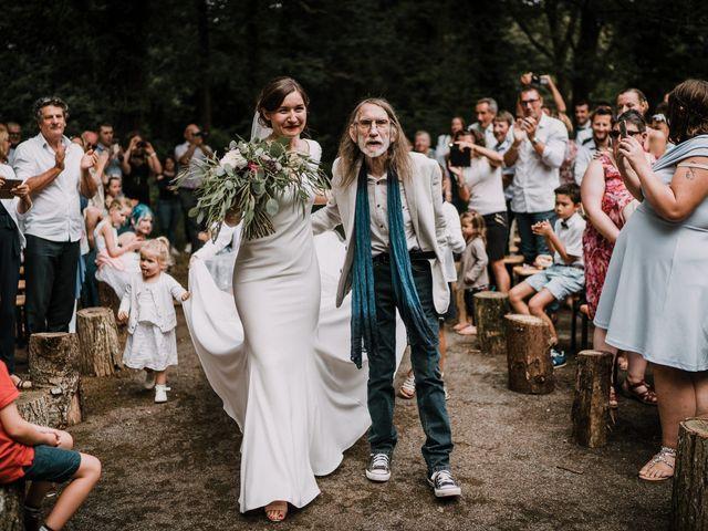 Le mariage de Jérome et Mathilde à Gourin, Morbihan 53