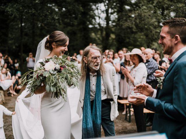 Le mariage de Jérome et Mathilde à Gourin, Morbihan 55