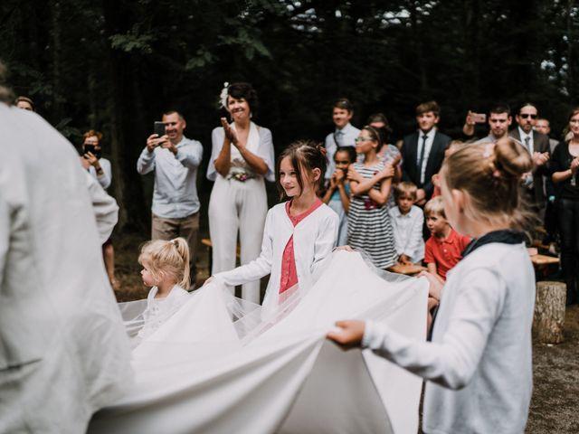 Le mariage de Jérome et Mathilde à Gourin, Morbihan 58