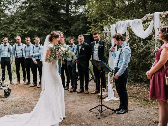 Le mariage de Jérome et Mathilde à Gourin, Morbihan 63