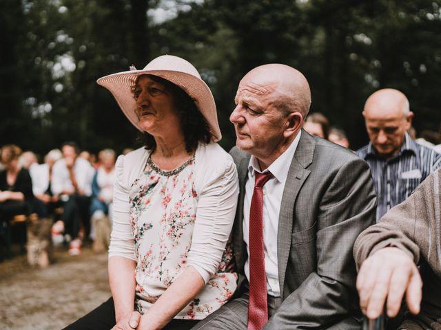 Le mariage de Jérome et Mathilde à Gourin, Morbihan 75