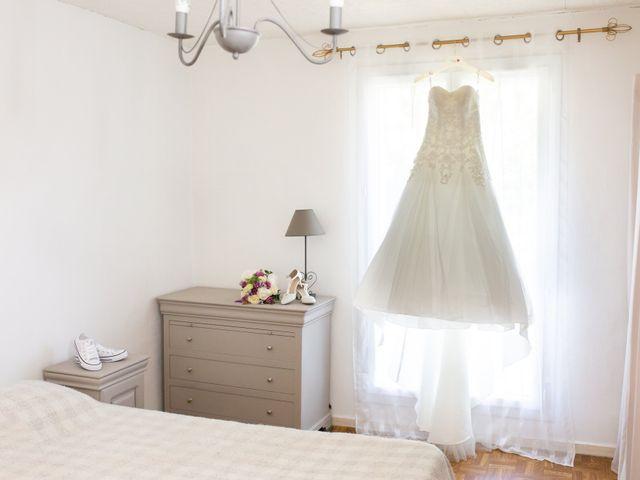 Le mariage de Hoa et Elodie à Mirabeau, Vaucluse 9
