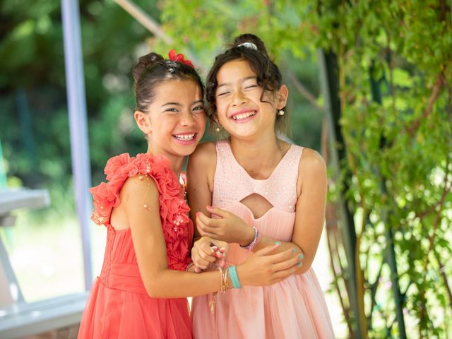 Le mariage de Hoa et Elodie à Mirabeau, Vaucluse 22