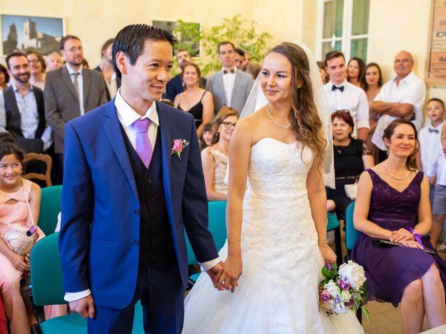 Le mariage de Hoa et Elodie à Mirabeau, Vaucluse 30