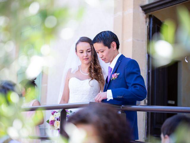 Le mariage de Hoa et Elodie à Mirabeau, Vaucluse 32
