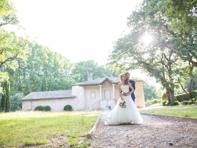 Le mariage de Hoa et Elodie à Mirabeau, Vaucluse 36