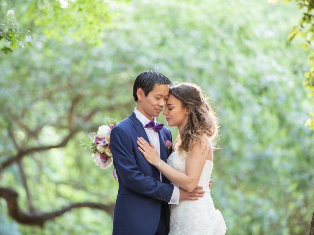 Le mariage de Hoa et Elodie à Mirabeau, Vaucluse 40