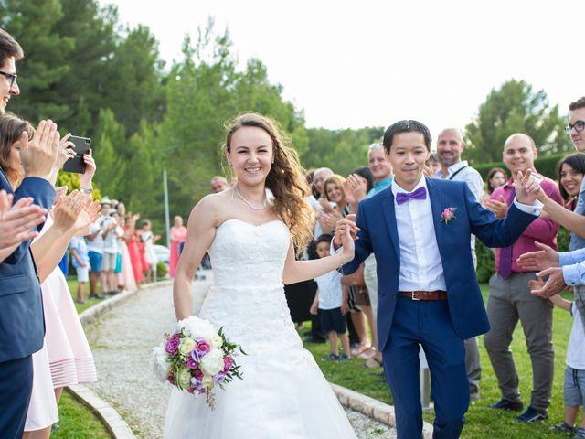 Le mariage de Hoa et Elodie à Mirabeau, Vaucluse 49