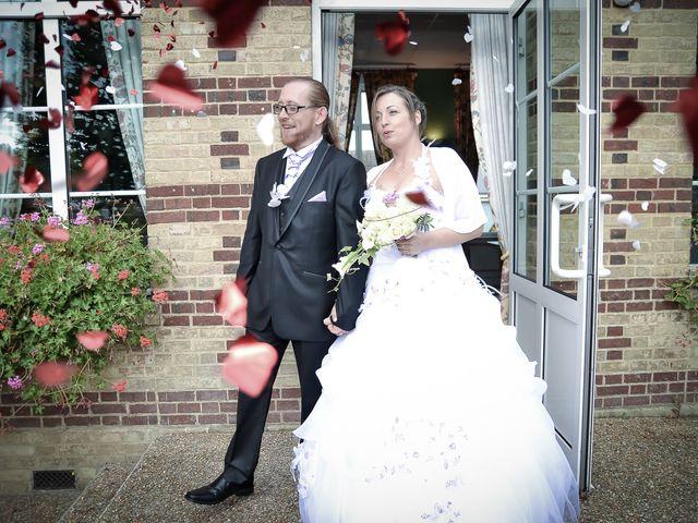 Le mariage de Franck et Emilie à Saint-Pierre-la-Garenne, Eure 14