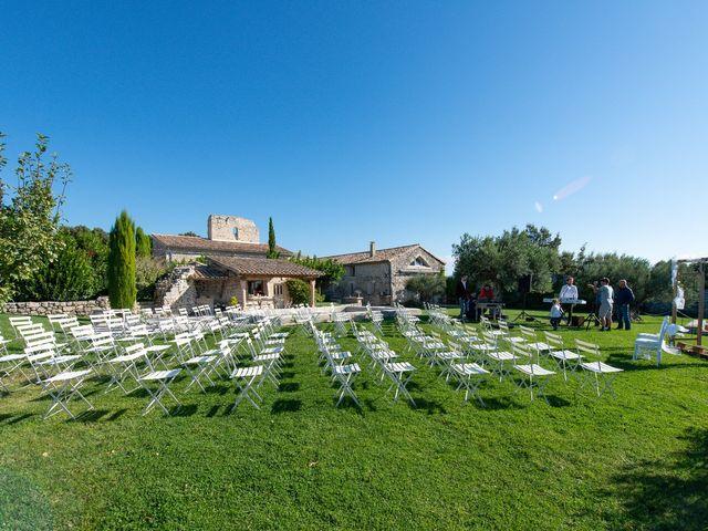 Le mariage de Fabien et Elsa à Grignan, Drôme 3