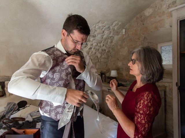 Le mariage de Fabien et Elsa à Grignan, Drôme 8