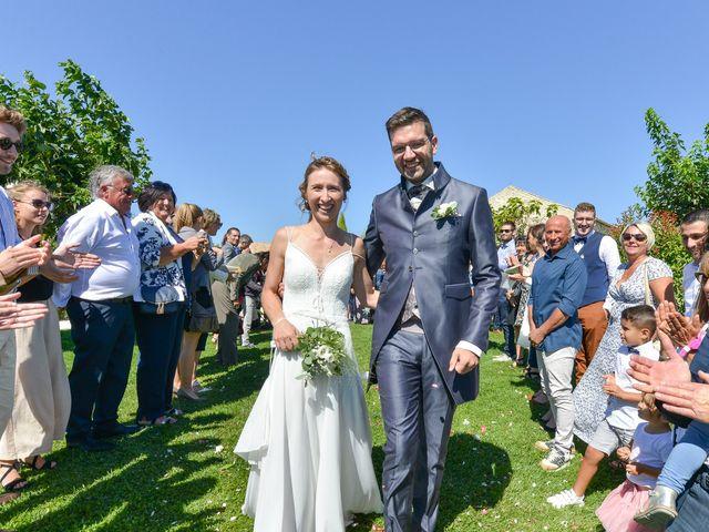 Le mariage de Fabien et Elsa à Grignan, Drôme 17