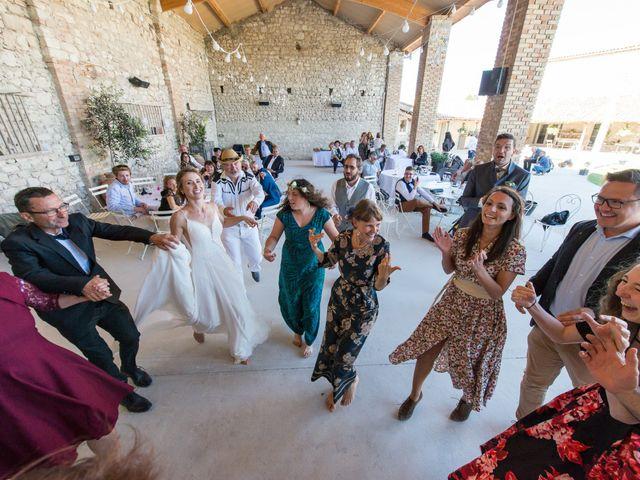 Le mariage de Fabien et Elsa à Grignan, Drôme 34
