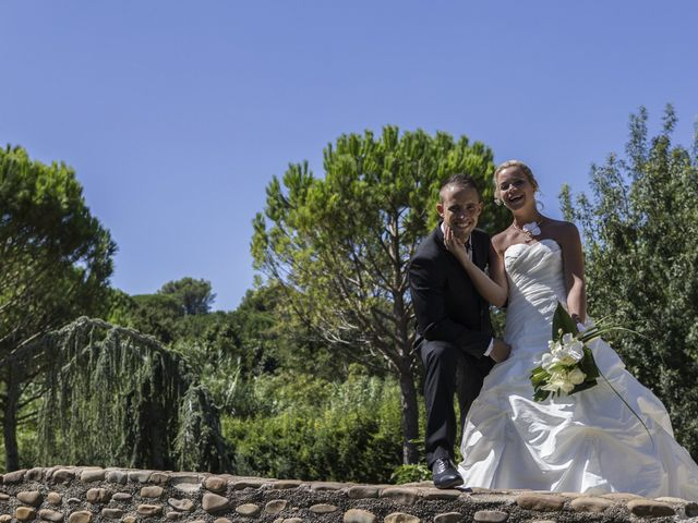Le mariage de Thomas et Audrey à Saint-Gilles, Gard 5