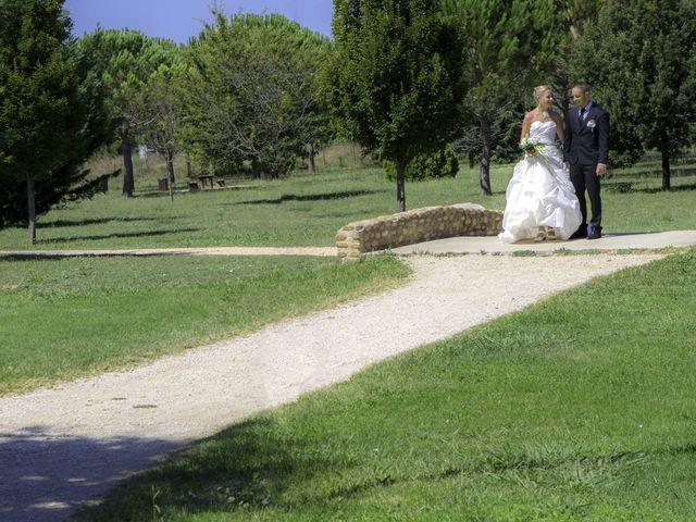Le mariage de Thomas et Audrey à Saint-Gilles, Gard 6