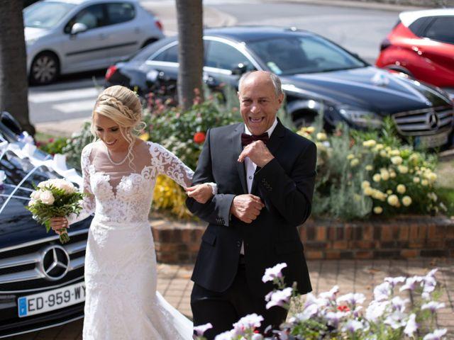 Le mariage de Julien et Lauren à Fourges, Eure 7