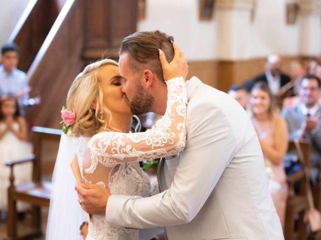 Le mariage de Julien et Lauren à Fourges, Eure 10
