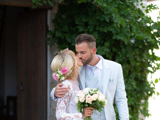Le mariage de Julien et Lauren à Fourges, Eure 12