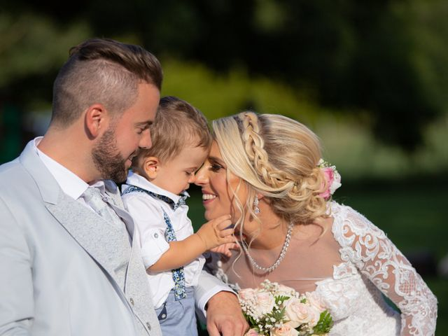 Le mariage de Julien et Lauren à Fourges, Eure 19