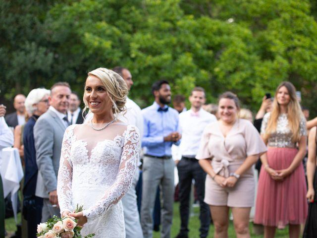 Le mariage de Julien et Lauren à Fourges, Eure 1