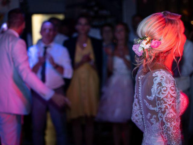 Le mariage de Julien et Lauren à Fourges, Eure 34