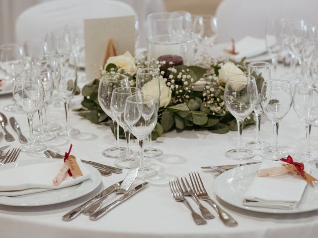 Le mariage de Damien et Aurore à Vendeuvre-du-Poitou, Vienne 25