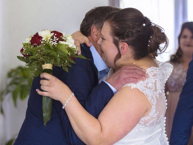 Le mariage de Anthony et Amandine à Tinténiac, Ille et Vilaine 17