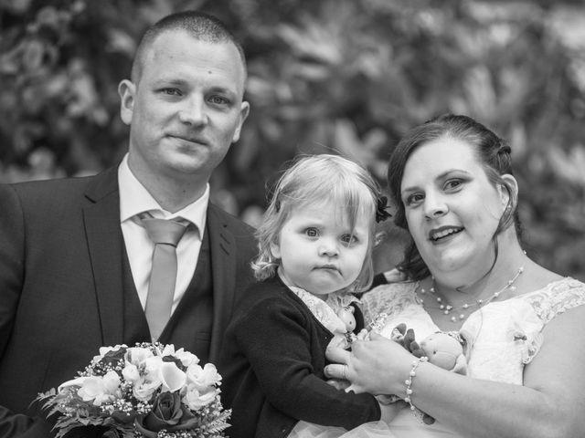 Le mariage de Anthony et Amandine à Tinténiac, Ille et Vilaine 37