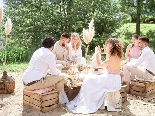 Le mariage de Romain et Camille à Cublize, Rhône 11