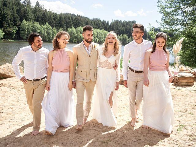 Le mariage de Romain et Camille à Cublize, Rhône 15