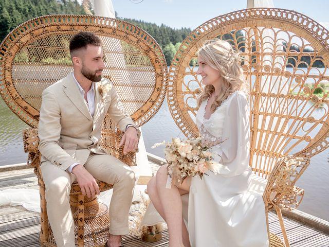 Le mariage de Romain et Camille à Cublize, Rhône 23