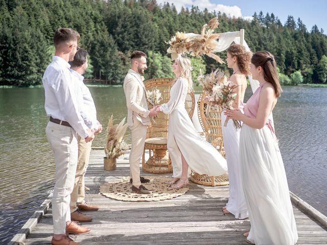Le mariage de Romain et Camille à Cublize, Rhône 28