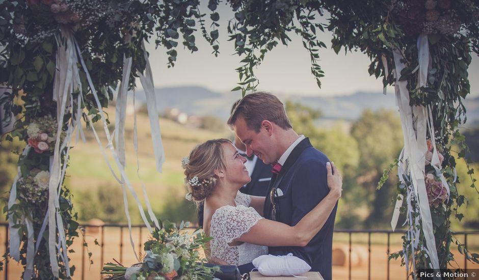 Le mariage de Nicolas et Sophie à Saint-Laurent-de-Chamousset, Rhône