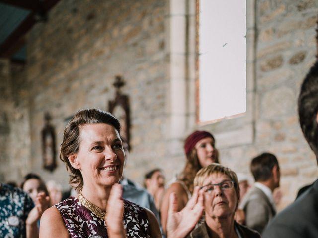 Le mariage de Nicolas et Sabrina à Plouégat-Moysan, Finistère 32