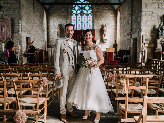 Le mariage de Nicolas et Sabrina à Plouégat-Moysan, Finistère 1