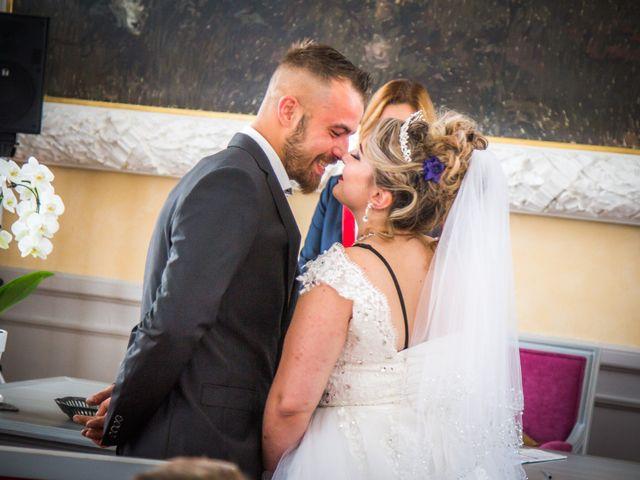 Le mariage de Jérôme  et Anaïs à Roanne, Loire 21