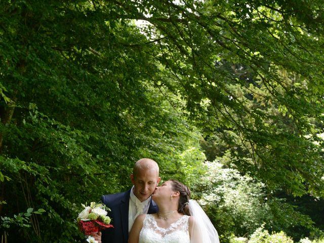 Le mariage de Yoann et Laura à Saint-Denis-d'Authou, Eure-et-Loir 11