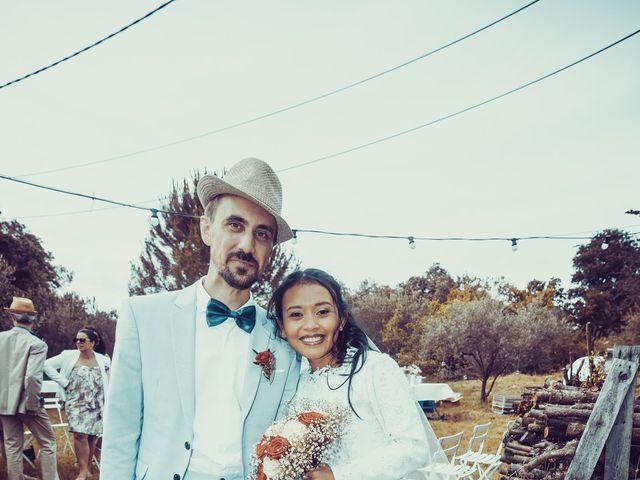 Le mariage de Julien et Nur à Montpezat, Gard 2