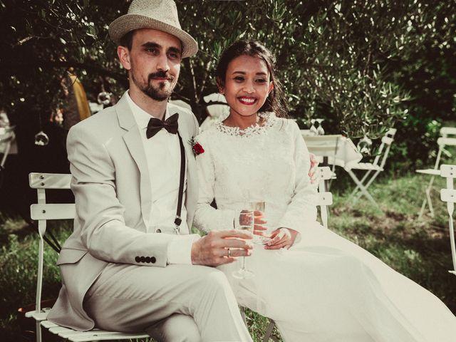 Le mariage de Julien et Nur à Montpezat, Gard 13