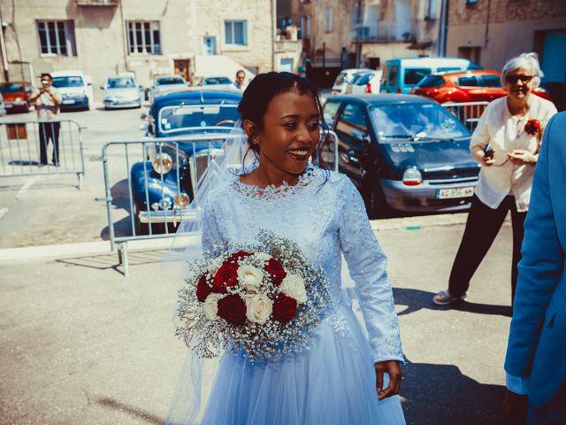 Le mariage de Julien et Nur à Montpezat, Gard 14