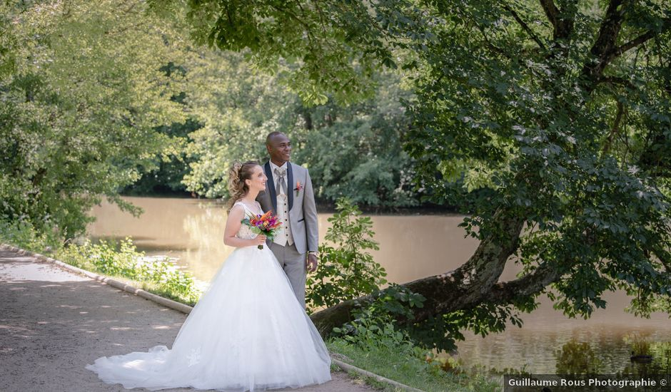 Le mariage de Ousmane et Elodie à Le Monastère, Aveyron