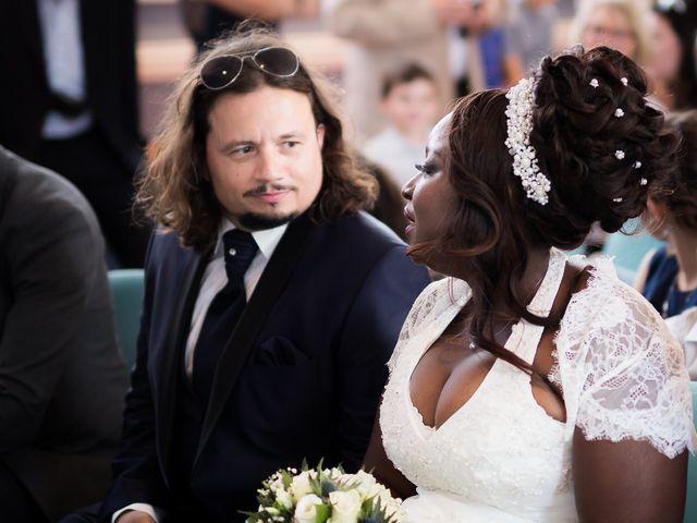 Le mariage de Matthieu et Mathilde à Douvres-la-Délivrande, Calvados 5