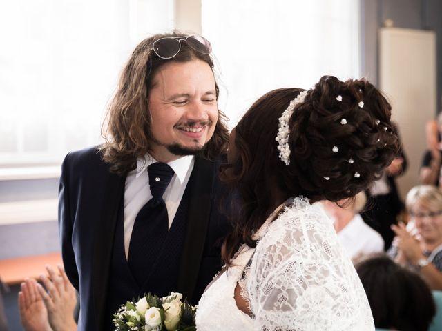 Le mariage de Matthieu et Mathilde à Douvres-la-Délivrande, Calvados 7