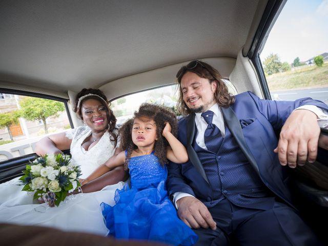 Le mariage de Matthieu et Mathilde à Douvres-la-Délivrande, Calvados 20