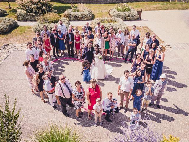 Le mariage de Matthieu et Mathilde à Douvres-la-Délivrande, Calvados 39