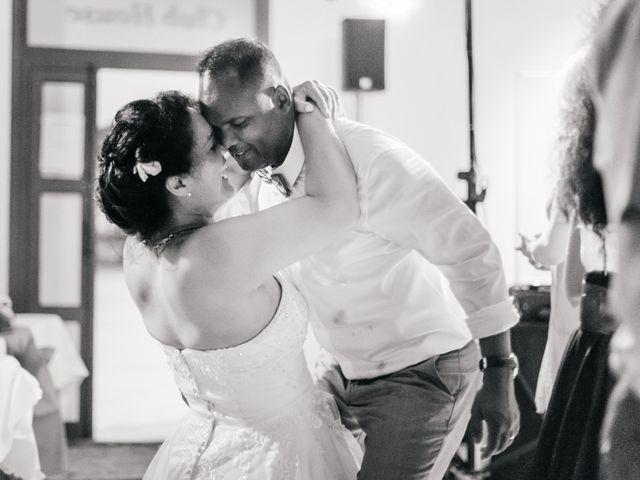 Le mariage de Laurent et Stéphanie à Le Grau-du-Roi, Gard 86