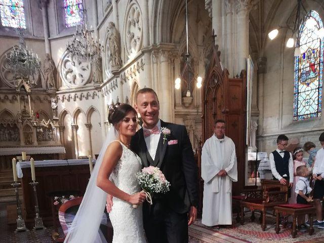 Le mariage de Isabelle et Laura à Forges-les-Eaux, Seine-Maritime 6