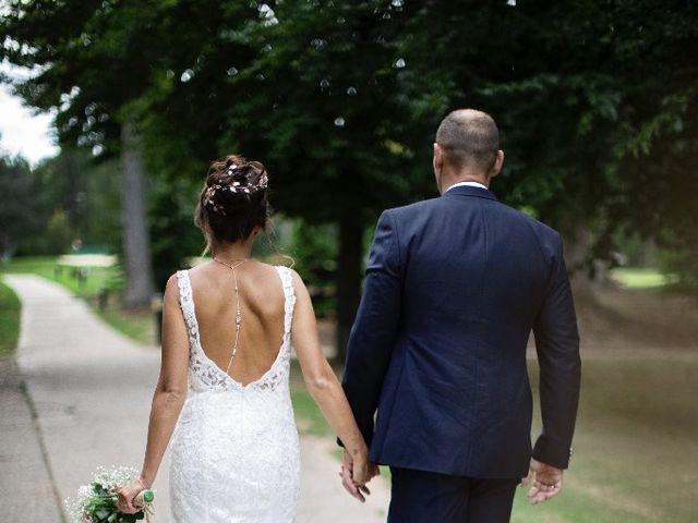 Le mariage de Isabelle et Laura à Forges-les-Eaux, Seine-Maritime 15
