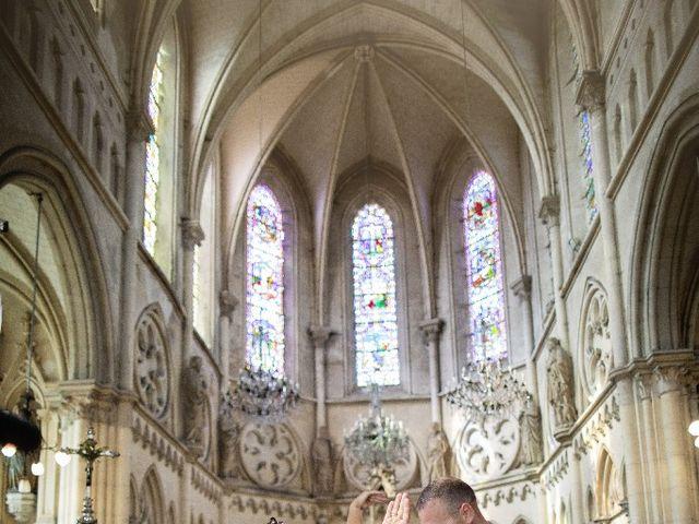 Le mariage de Isabelle et Laura à Forges-les-Eaux, Seine-Maritime 26