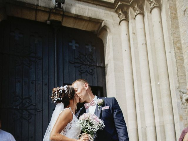 Le mariage de Isabelle et Laura à Forges-les-Eaux, Seine-Maritime 27